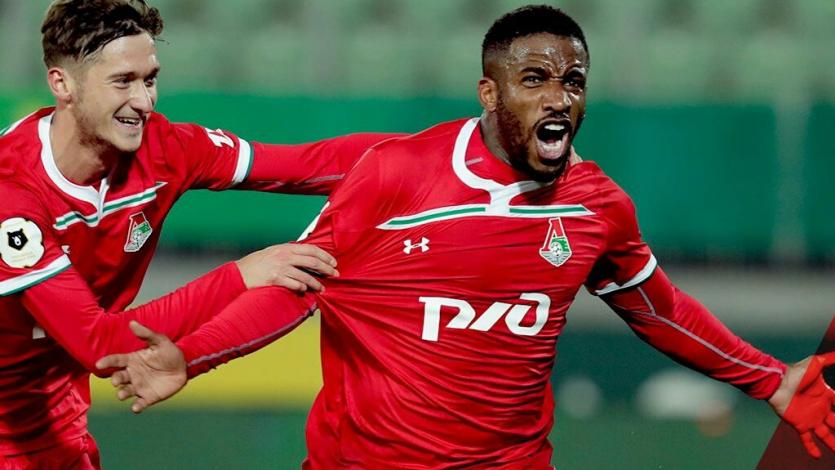 Con un gol de Jefferson Farfán, Lokomotiv superó al Anzhi