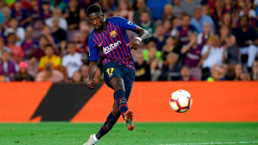 El Barcelona triunfa con polémica