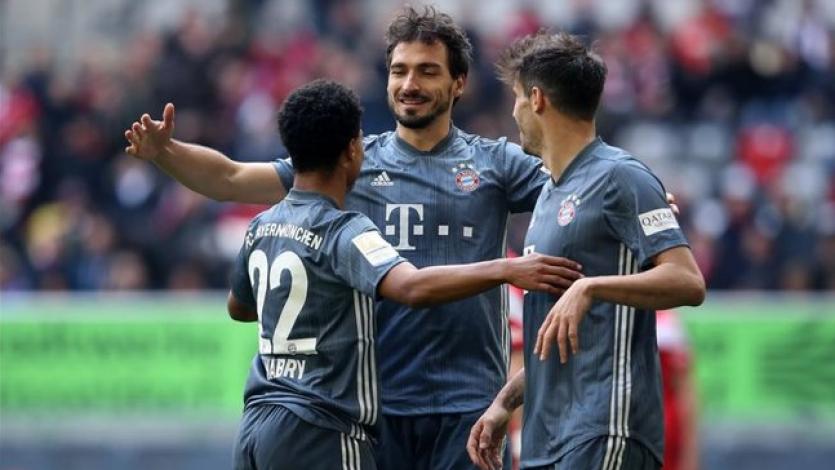 Bayern Múnich goleó al Dusseldorf y se mantiene como líder de la Bundesliga