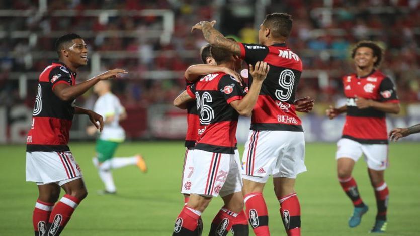 Con asistencia de Paolo Guerrero, Flamengo eliminó a Chapecoense
