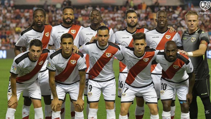 Luis Advíncula volvió a ser titular en el empate de Rayo Vallecano
