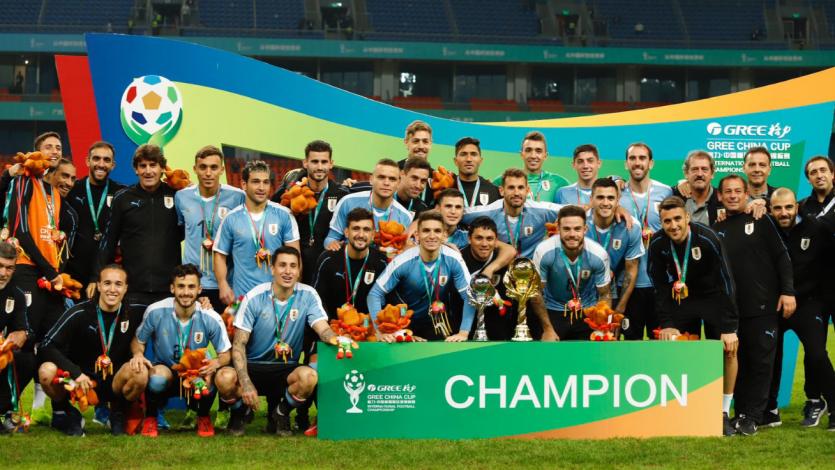 Uruguay goleó a Tailandia y se llevó la China Cup