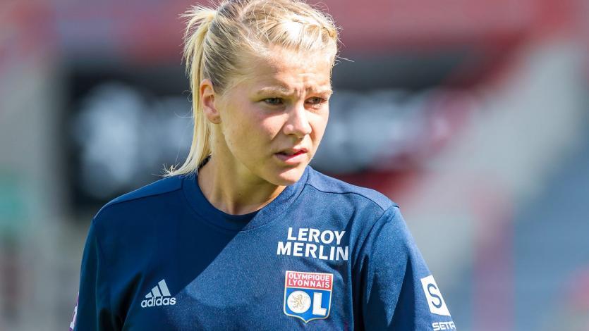 La jugadora noruega Ada Hegerberg se llevó el primer Balón de Oro femenino