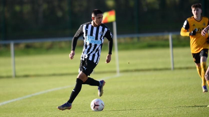 Rodrigo Vilca: DT del Newcastle United podría hacerlo debutar en la próxima fecha de Premier League