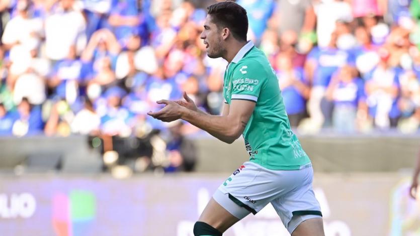 Santiago Ormeño anotó un gol en su debut con Club León ante Cruz Azul (VIDEO)