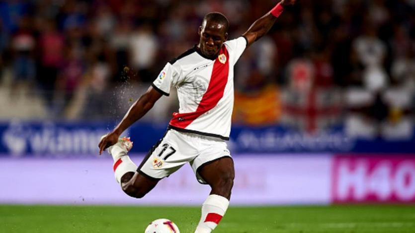 Rayo Vallecano volvió al triunfo con la presencia de Luis Advíncula
