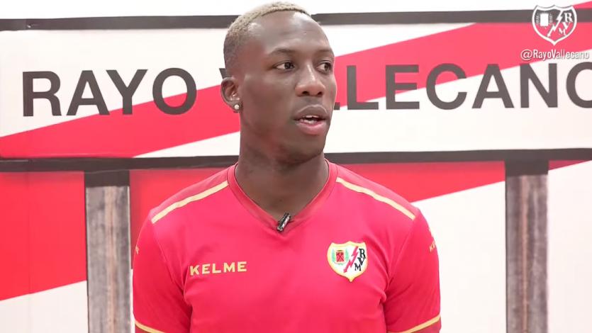 """Luis Advíncula: """"Estoy contento de quedarme en el Rayo Vallecano. Hay plantel para el ascenso"""" (VIDEO)"""