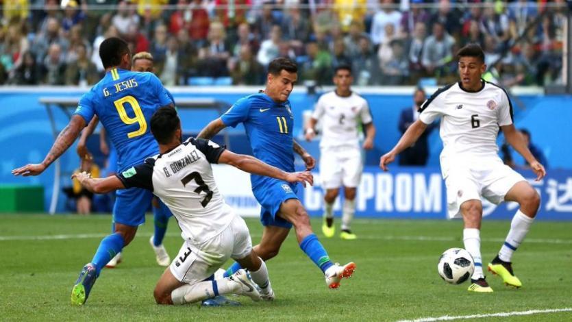 Brasil venció sobre la hora a Costa Rica (2-0)