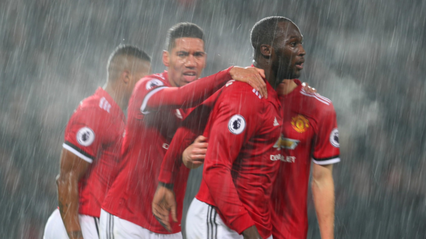 Premier League: Manchester United le sigue los pasos al City
