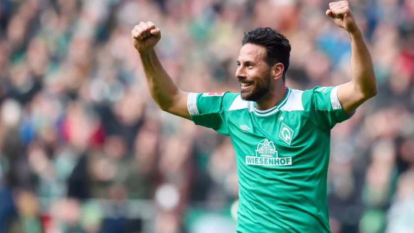 Claudio Pizarro marcó un golazo para darle el triunfo al Werder Bremen sobre el Leipzig