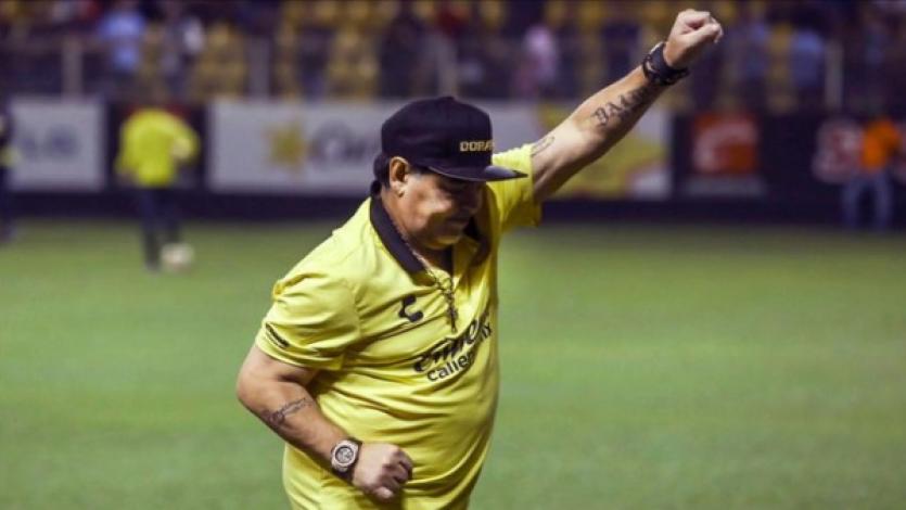 Diego Maradona renueva con Dorados de Sinaloa