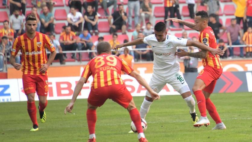 Paolo Hurtado actuó en el triunfo del Konyaspor