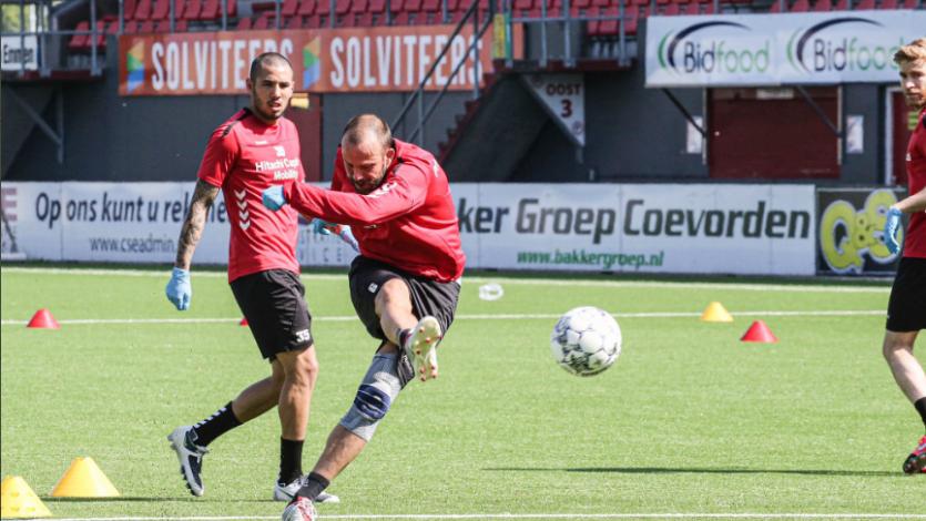 FC Emmen de Sergio Peña y Miguel Araujo volvió a los entrenamientos en sus instalaciones