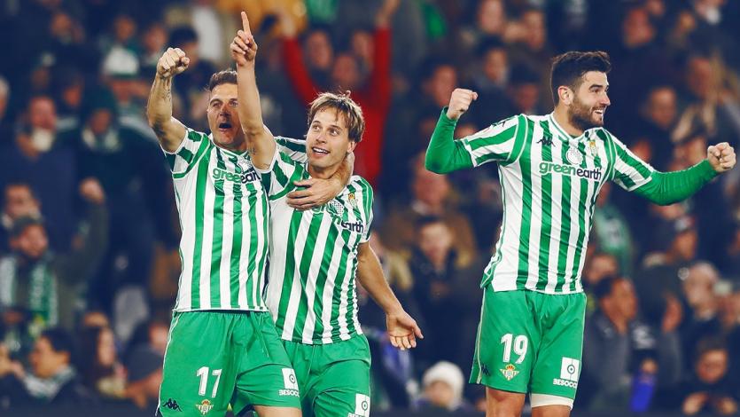 Betis se tumba al Atlético Madrid y le da una mano al Barcelona