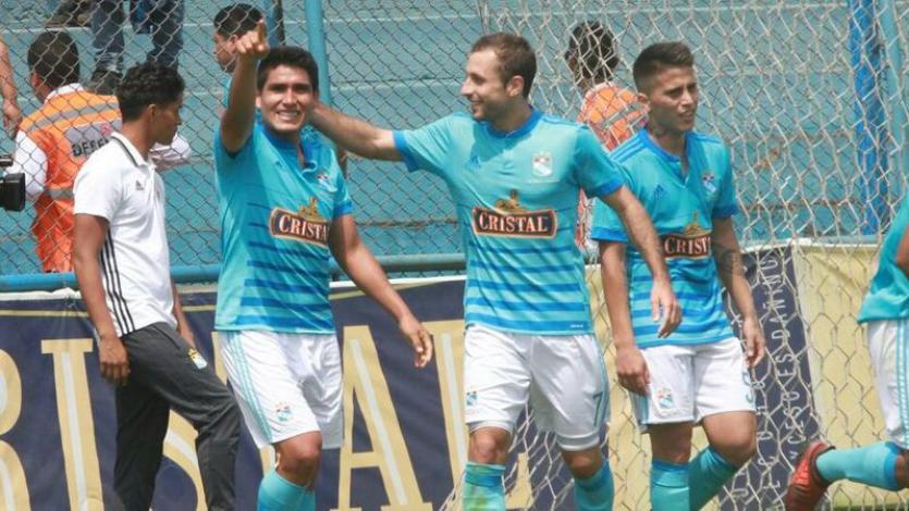 Irven Ávila lidera la tabla de goleadores de la Copa Movistar