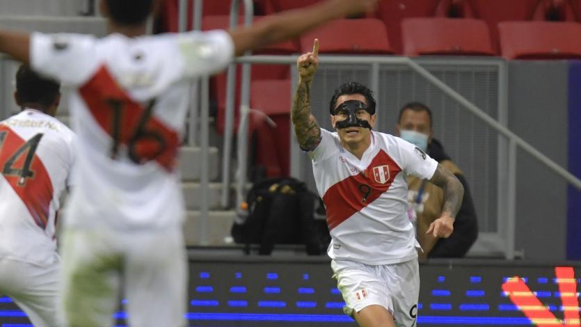"""Carlos Zambrano: """"Me gusta la forma de jugar de Gianluca Lapadula: luchador y peleador"""" (VIDEO)"""