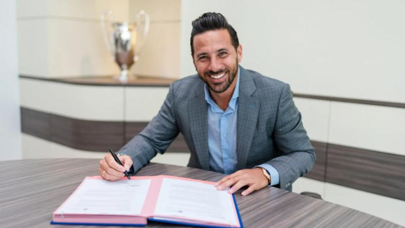 Claudio Pizarro fue nombrado nuevo embajador del Bayern Munich