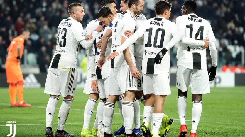 Juventus golea a Chievo y sigue firme en la cima de la Serie A