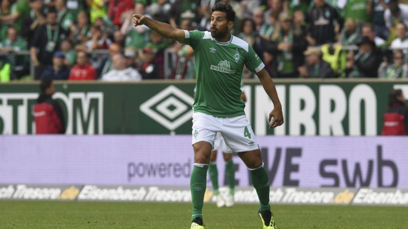 Claudio Pizarro no pudo evitar la derrota del Werder Bremen