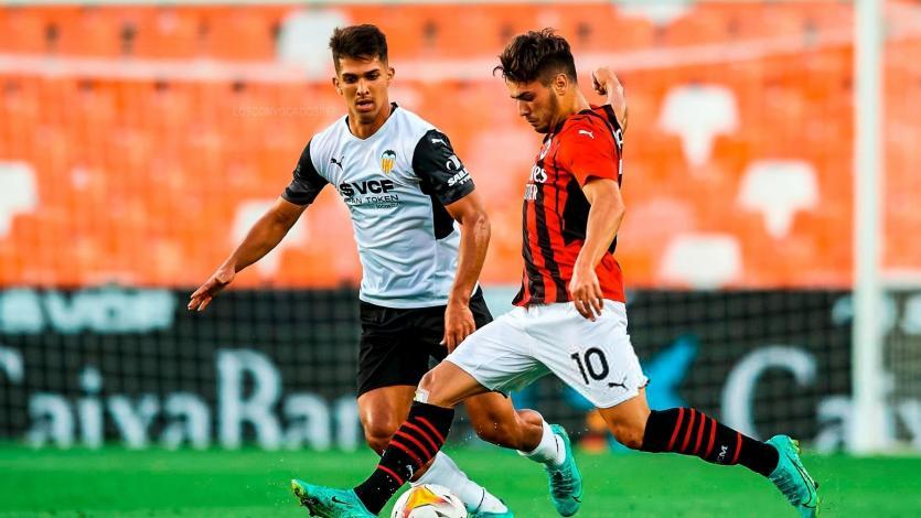 LaLiga: Alessandro Burlamaqui fue titular en triunfo del Valencia ante AC Milan
