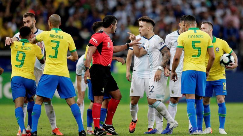 La AFA envió reclamo a la Conmebol por el arbitraje del Brasil vs. Argentina