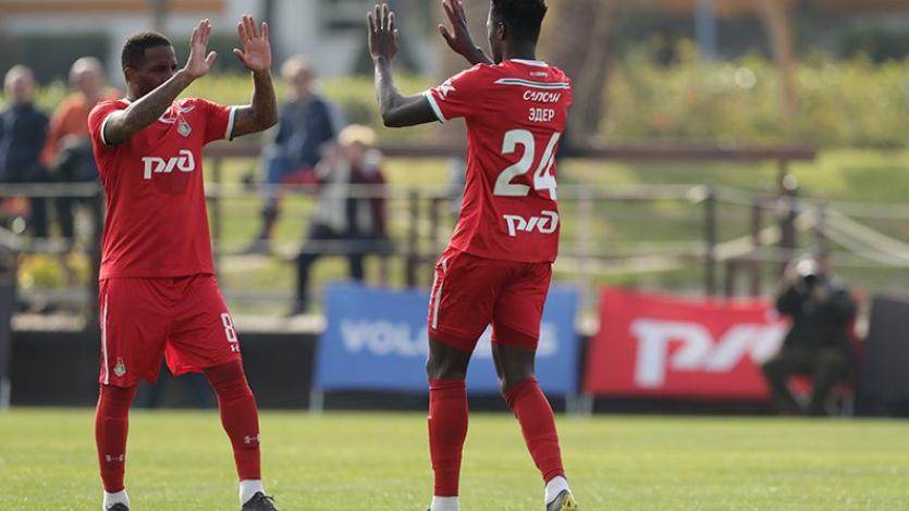 Jefferson Farfán colaboró con un gol en goleada del Lokomotiv