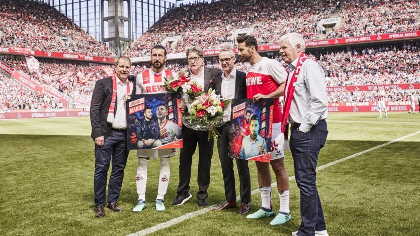 Claudio Pizarro recibe homenaje en el Colonia