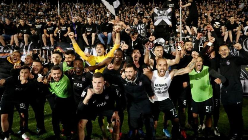 El fútbol de Serbia volvió con hinchas en los estadios luego de autorización del gobierno