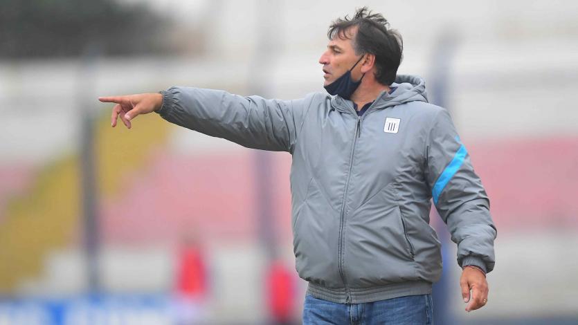 """Carlos Bustos: """"Somos dos equipos que siempre van en búsqueda del triunfo"""" (VIDEO)"""