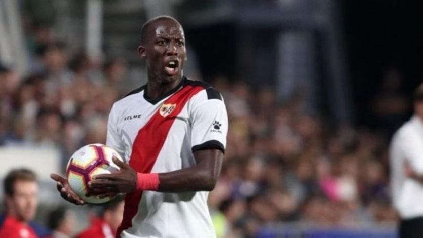 Luis Advíncula figura en el equipo ideal de la jornada en España