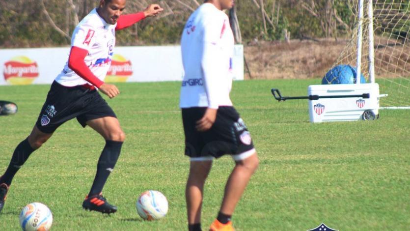 Alberto Rodríguez realizó trabajos con el balón en el entrenamiento del Junior de Barranquilla