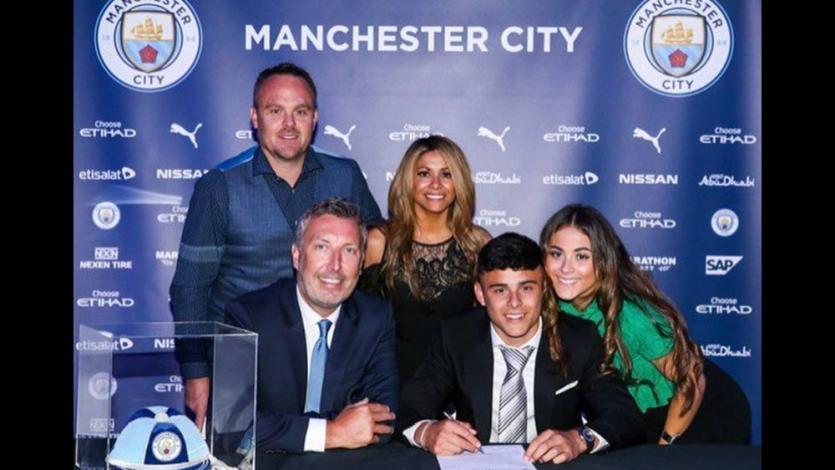 Alexander Robertson, de madre peruana, firmó 4 años con Manchester City (FOTOS Y VIDEO)