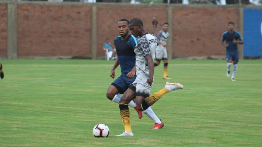 Alianza Lima y Academia Cantolao se midieron en partidos amistosos