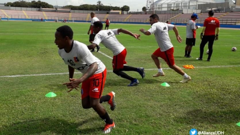 Alianza Universidad jugó con Cantolao y su impuso en amistosos de pretemporada