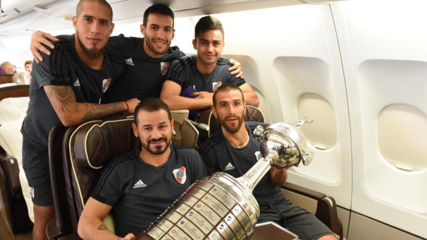 River llegó a Ezeiza y celebrará, con su gente, el título de la Libertadores
