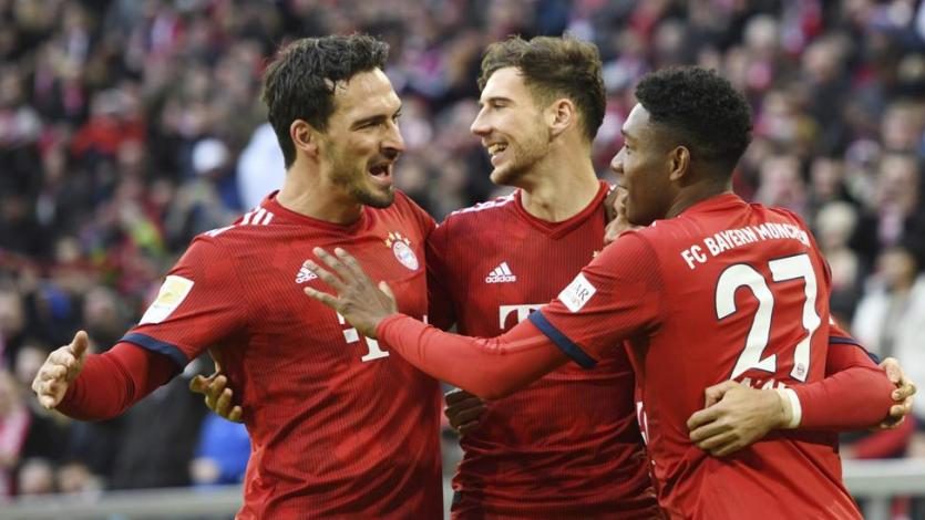 Bayern Múnich golea al Stuttgart y mantiene la distancia con el Dortmund