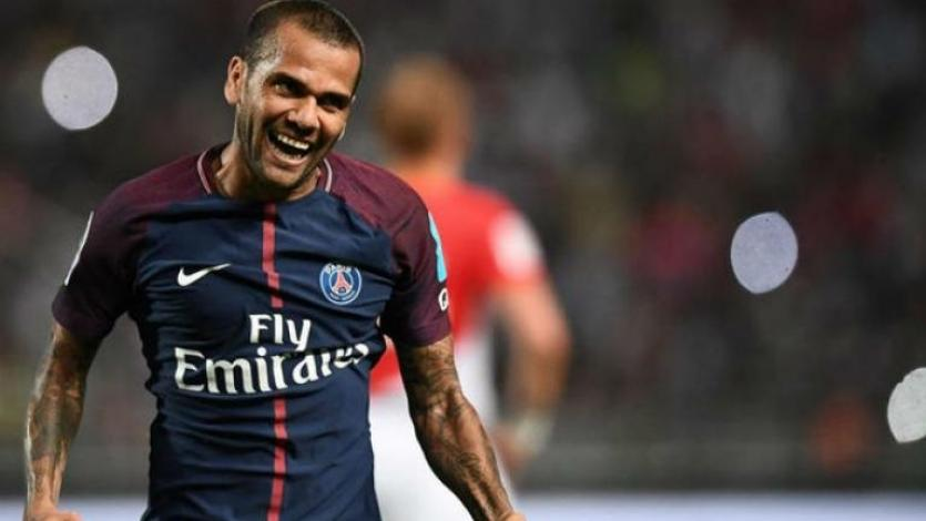 Dani Alves no continuará en el PSG