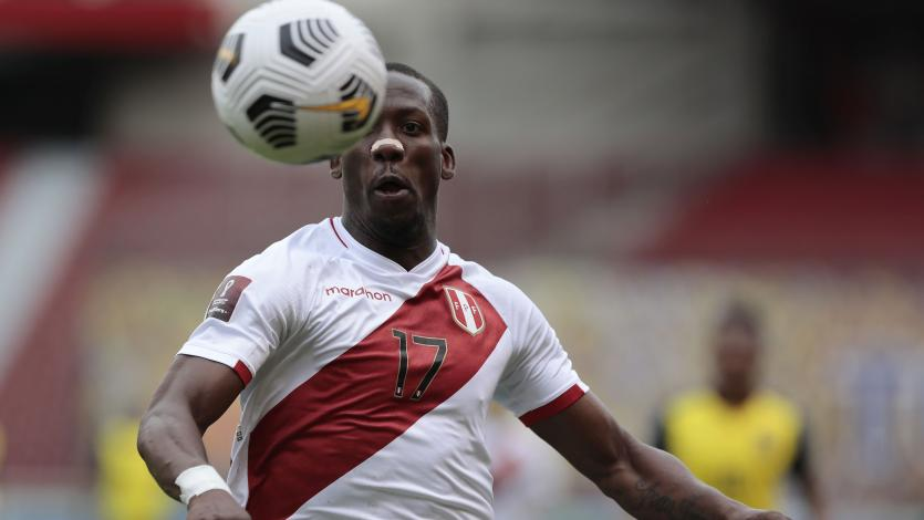 Luis Advíncula es jugador de Boca Juniors y podría debutar este domingo