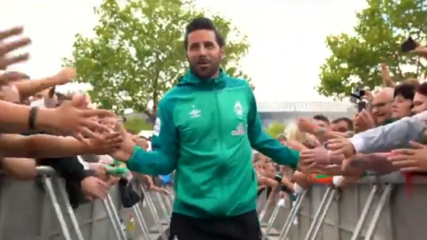 Werder Bremen: Pizarro fue el más aplaudido en la presentación del equipo