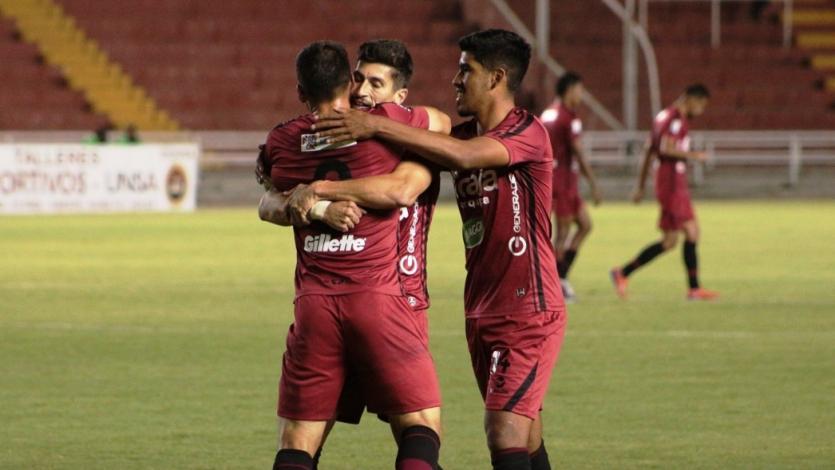 Amoroso inició su romance con el gol en Melgar: