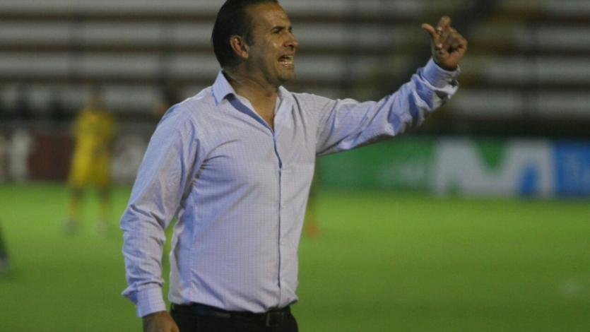 Carlos Silvestri dirigió su último partido con la Academia Cantolao