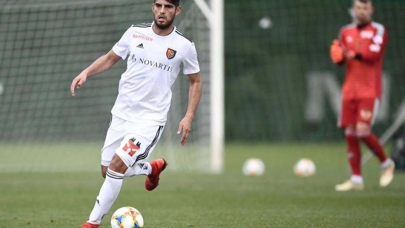 Carlos Zambrano fue titular en el triunfo del FC Basel