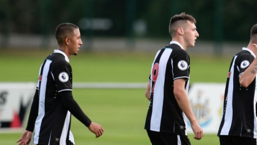 Premier League 2: Rodrigo Vilca debutó con asistencia en empate del Newcastle United U-23