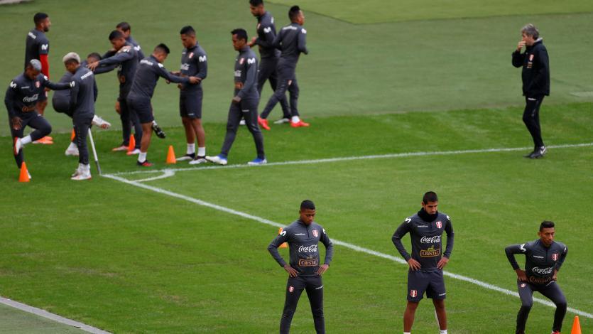 Selección Peruana entrena en Porto Alegre con la mirada puesta en la semifinal ante Chile