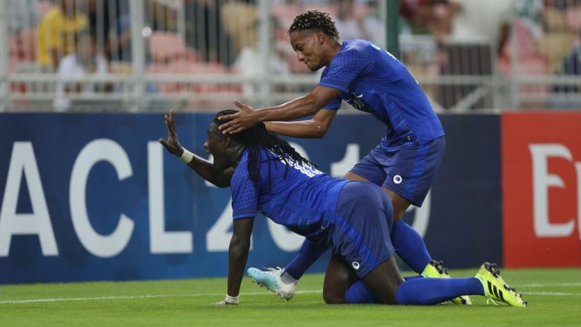 André Carrillo vio acción en empate de último minuto del Al Hilal (VIDEO)