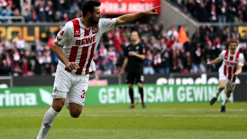 Claudio Pizarro anota en la derrota del Colonia