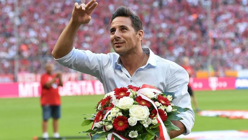 Claudio Pizarro se unirá al Bayern por tercera vez en la siguiente temporada