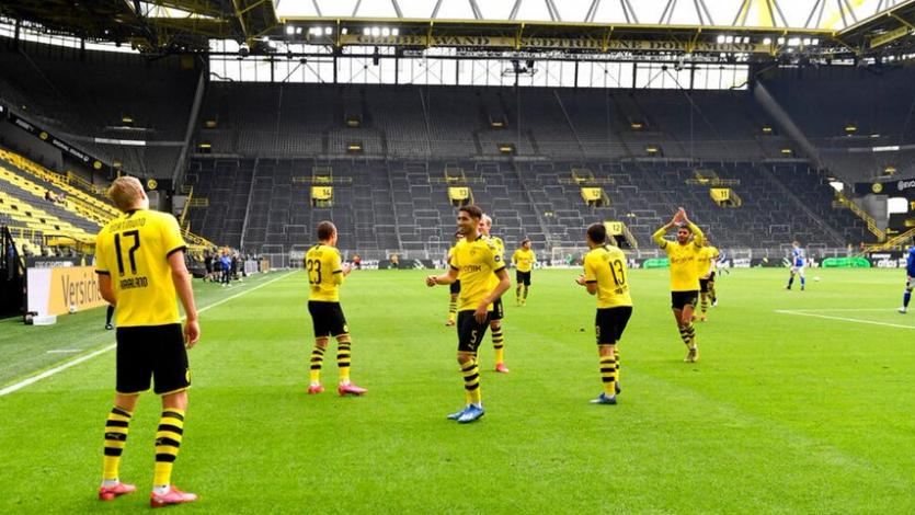 Con goles, festejos en solitario y diversas medidas de precaución: así volvió la Bundesliga (FOTOS)