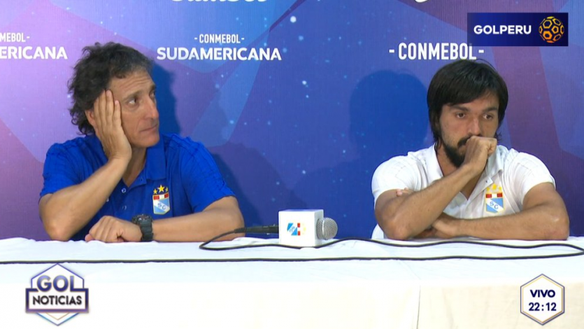 Conferencia de prensa de Mario Salas y Jorge Cazulo, entrenador y volante de Sporting Cristal.