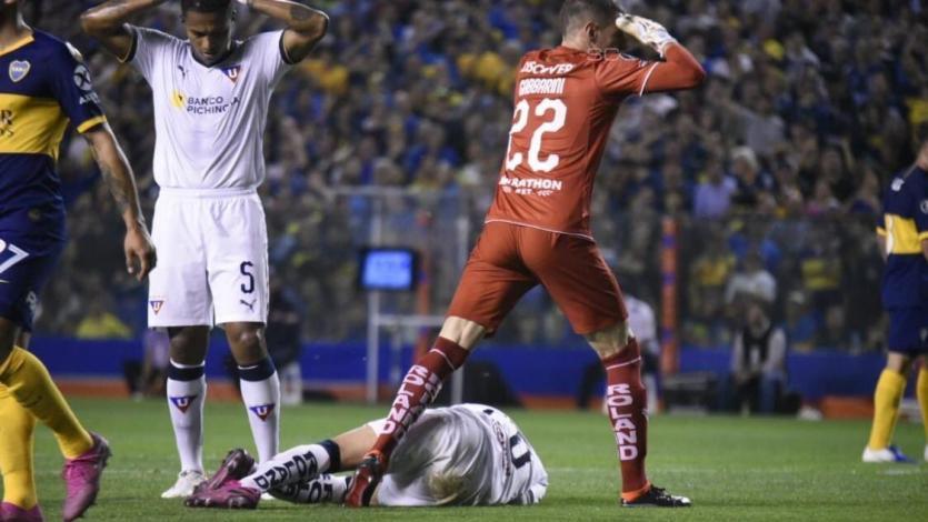 Copa Libertadores: La impresionante lesión del jugador de LDU que paró a la Bombonera (VIDEO)